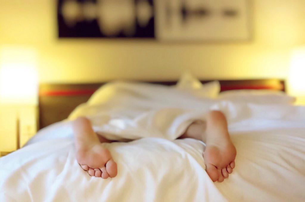 Schlafmangel und Stress können Auslöser sein